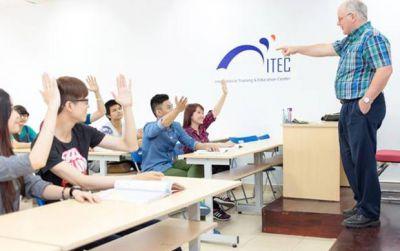 Xét tuyển chương trình Cử nhân Quốc tế học tại VN