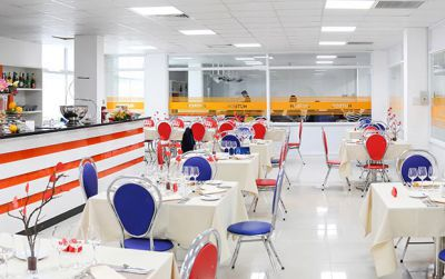 Đột nhập trường đại học có cả nhà hàng và khách sạn