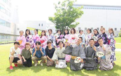 SV UEF với cơ hội học chuyển tiếp quốc tế và nhận song bằng