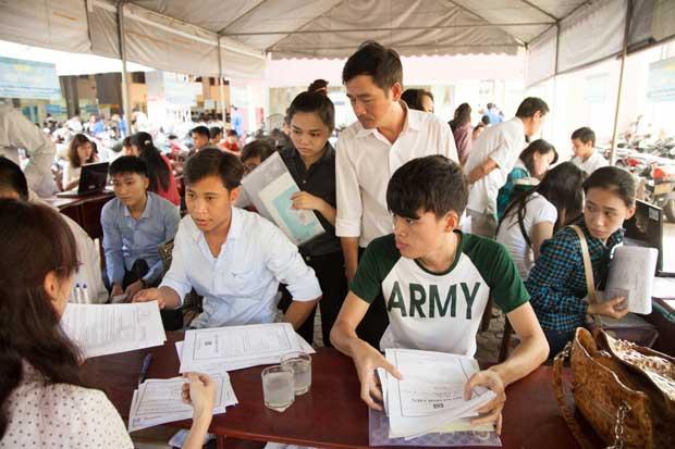 Đông đảo thí sinh xét tuyển học bạ vào ĐH Duy Tân năm 2020 - ảnh 1