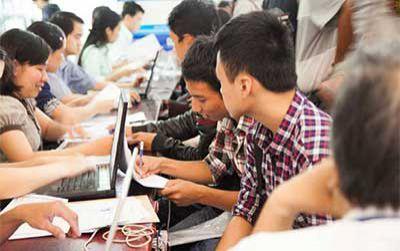 Đông đảo thí sinh xét tuyển học bạ vào đại học Duy Tân năm 2020