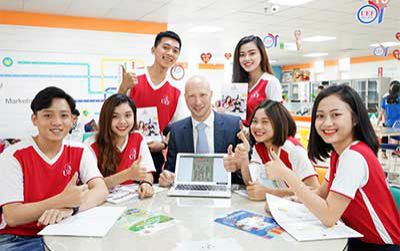 Điểm qua thế mạnh tiếng Anh của UEF mới biết vì sao nhiều bạn trẻ chọn trường
