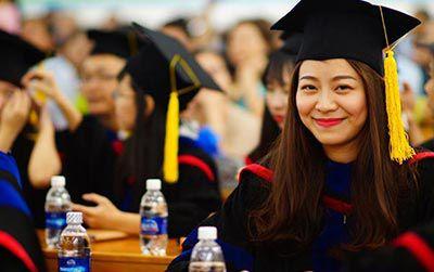 Tuyển sinh chương trình Đại học đào tạo bằng tiếng Anh