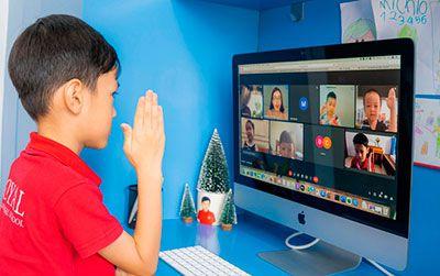 Nhìn lại mùa hè trực tuyến đầy màu sắc tại Royal School