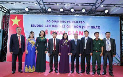 Trường CĐ Lê Quý Đôn khai giảng năm học mới