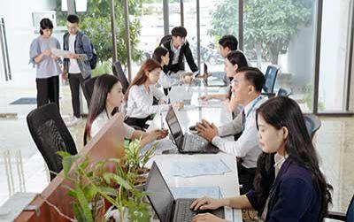 Trường Đại học Văn Hiến hỗ trợ học phí cho tân sinh viên